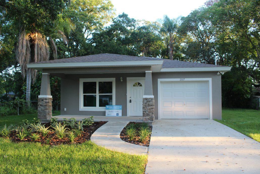 Habitat hillsborough receives florida water star certification on new homes habitat for - House habitat ...